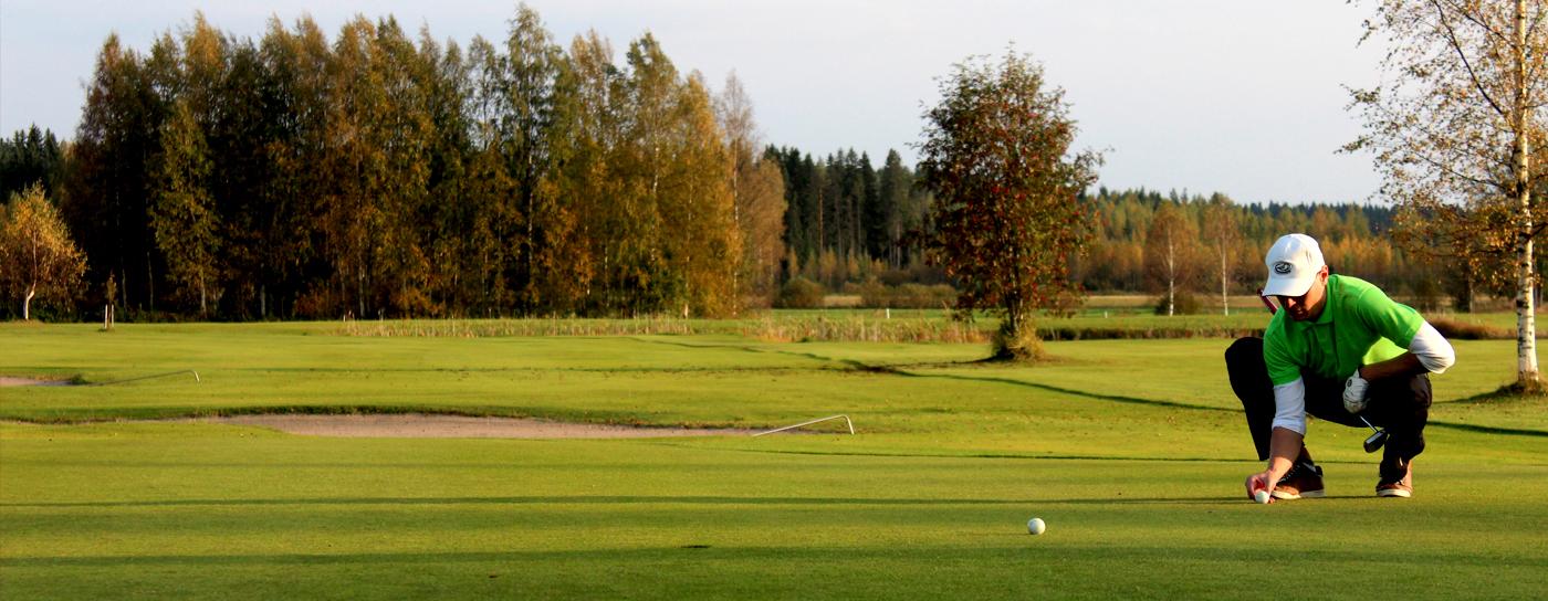 Golfkierros kestää <strong>alle kaksi tuntia</strong>